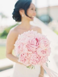 Bouquet Pink Peonies | photography by http://www.esthersunphoto.com