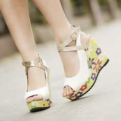 Cute white wedges with floral print