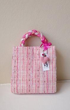 Tweed handbag pink designer tweed bag chic and trendy par SUNSUELLE