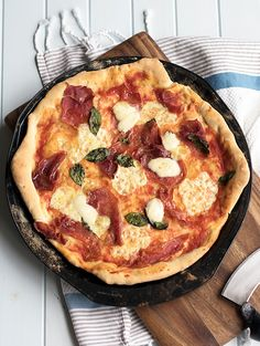 Pizza Dough Recipe, that you can freeze | www.bellyrumbles.com