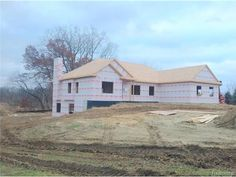 The MARK Z New Construction Homes Selling Team's unique Trade-Up Program gives you solutions that are custom tailored to you and your family. Find all New Construction Homes South Lyon for sale.