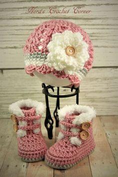 Crochet Baby Girl Crochet bebé niña ajuste botas y sombrero por NorasCrochetCorner - Baby Girl Crochet Blanket, Crochet Baby Boots, Crochet Slippers, Crochet Hats, Afghan Girl, Flower Crochet, Free Crochet, Baby Girl Boots, Baby Booties