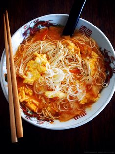 【Samlar Noodles】 which only simmers kimchi, eggs and some noodles are sour and spicy. Asian Cooking, Easy Cooking, Cooking Recipes, Asian Recipes, Healthy Recipes, Ethnic Recipes, Quick Meals To Make, Cafe Food, Food Blogs