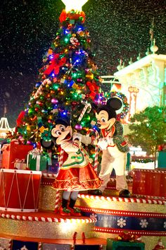 Mickey's Very Merry Christmas Party - An Epic 8th Birthday Day 1 VIDEO