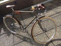 Path racer based on Batavus frame with revised Sturmey Archer drum breaks for sale @kleedvermaak Leiden