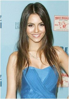 Victoria Justices long, brunette hairstyle hmm gorgeous no other word simply stuning Victoria Justice, Pretty Hairstyles, Straight Hairstyles, Brunette Hairstyles, Hairstyle Ideas, Hair A, Your Hair, Curls Hair, Short Brunette Hair