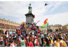 """Los jóvenes """"hacen lío"""" a su modo, y esperan al Papa - Radio Vaticano"""