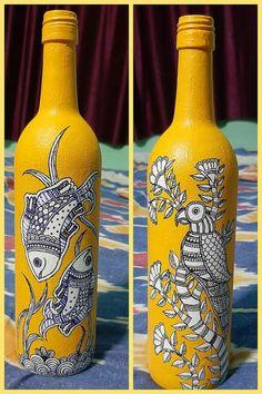 Glass Bottle Crafts, Wine Bottle Art, Painted Wine Bottles, Madhubani Art, Madhubani Painting, Fish Artwork, Kalamkari Painting, Vase Crafts, Indian Folk Art