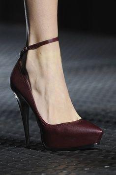 Lanvin at Paris Fashion Week Spring 2013 - burgundy pumps Lanvin, Dream Shoes, Crazy Shoes, Stilettos, High Heels, Wedge Heels, Cute Shoes, Me Too Shoes, Trendy Shoes