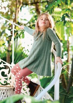 1704 Barn. Strikket Erlekjole Knitting For Kids, Baby Knitting, Knitted Baby, Raglan Pullover, Dark Winter, Knit Crochet, Baby Kids, Turtle Neck, Sweaters