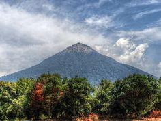 Volcan de Agua; visto desde Ciudad Vieja, Guatemala