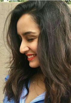 Killer Smile of Shraddha Kapoor - Bollywood New Star Bollywood Heroine, Beautiful Bollywood Actress, Most Beautiful Indian Actress, Beautiful Actresses, Beautiful Celebrities, Indian Bollywood, Bollywood Stars, Bollywood Fashion, Indian Celebrities