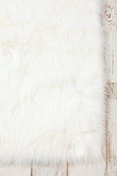 love fluffy rugs