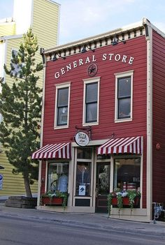 I like the recessed doorway cute store, shop fronts, old country stores, old Café Exterior, Exterior Signage, Exterior Design, Colonial Exterior, Bungalow Exterior, Exterior Shutters, Exterior Stairs, Craftsman Exterior, Old General Stores