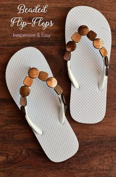 Quick and Easy Beaded Flip Flops AD Use flat beads mounting tapeand cheap flip flops for a fun summer craft Diy Fashion, Fashion Boots, Runway Fashion, Cheap Flip Flops, Flip Flops Diy, Flip Flop Craft, Shoe Makeover, Decorating Flip Flops, Summer Crafts