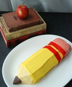 Make an adorable, no-bake pencil cake. So cute for back-to-school or celebrating a good report card!