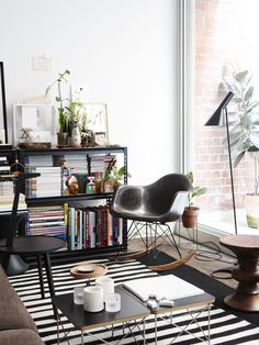 The tiny Collingwood apartment of visual merchandiser and design enthusiast Heilam Choy. Photo – Eve Wilson, production – Lucy Feagins /The Design Files.