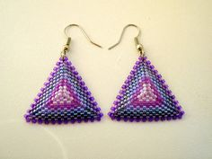 Beadwoven Triangle Earrings in Shades of Lilac by BeadingTimes