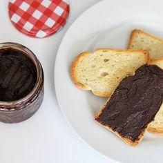 Mmm... #Nutella casera para merendar... Hay algo más delicioso? En #PuntodeLu compartimos esta #receta que está para chuparse los dedos!! Link directo en la bio