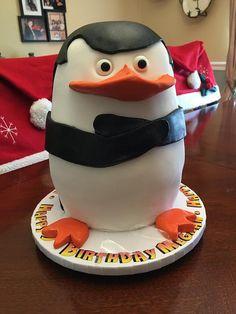 madagascar birthday penguin Penguin Cakes, Penguin Party, Baby Boy 1st Birthday, 10th Birthday, Birthday Ideas, Madagascar Party, Sculpted Cakes, Pudding Cake, Novelty Cakes