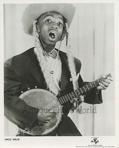 Black actor comedian musician w braids Uncle Willie with banjo vintage photo