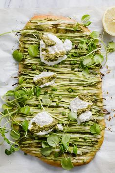 Spring Green Pizza with Pesto and Burrata — Madeline Hall Pizza Recipes, Vegetarian Recipes, Healthy Recipes, Lasagna Recipes, Ramen Recipes, Spinach Recipes, Bread Recipes, Cookie Recipes, Chicken Recipes