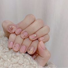 Exquisite girls not only have to wear new clothes, but also beautiful nails, so many beautiful and popular nail pictures, always have their favorite Stylish Nails, Trendy Nails, Cute Nails, Nail Pictures, Minimalist Nails, Oval Nails, Nail Swag, Gorgeous Nails, Nails Inspiration