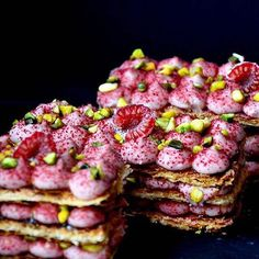 Raspberry, rose, pistachio millefeuille. Caramelized puff pastry, patisserie creme with raspberry purée, mascarpone & rose water, chopped pistachios, freeze dried raspberry powder. By @arts_bakery #DessertMasters