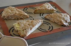 Guess what I got? Breakfast in bed with these delicious, vegan Apple Walnut Scones, Vegan Scones, Vegan Bread, Vegan Sweets, Vegan Food, Eat To Live, Delicious Vegan Recipes, Vegan Baking, Vegan Breakfast, Submission