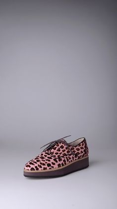 Hego's Animal print pony hair lace-up choes.