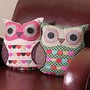 I need an owl cushion or two in my life :) Cute Pillows, Throw Pillows, Owl Pillows, Burlap Pillows, Decorative Pillows, Sewing Crafts, Sewing Projects, Owl Cushion, Owl Always Love You