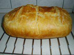 Gyors kovászos kenyér     Sütés elõtti est:     40 dkg liszt BL 80-as   1 dkg élesztő (csak belemorzsolni a lisztbe)   3 dl la...