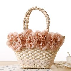 Cheap beach bag, Buy Quality designer beach bag directly from China summer beach bag Suppliers: Veevan 2016 Sweet Design Lady Style Straw Weave Women Bag Summer Beach Bag Flower Lace Bag Fashion Shoulder Bag Women Tote Summer Handbags, Straw Handbags, Woven Beach Bags, Lace Weave, Lace Bag, Diy Tote Bag, Basket Bag, Beautiful Bags, Fashion Bags