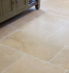 Calcot limestone floor tiles for the kitchen from Ca' Pietra. Kitchen Wall Tiles, Kitchen Flooring, Limestone Flooring, Tile Flooring, Floors, Farmhouse Remodel, Kitchen Remodel, Style Tile, Cottage Interiors