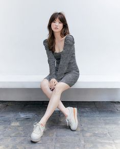 Asian Bob, Asian Hair, Diy Fashion Hacks, Fashion Outfits, Song Hye Kyo Style, Jugend Mode Outfits, Editorial Hair, Minimalist Chic, Pretty Anime Girl
