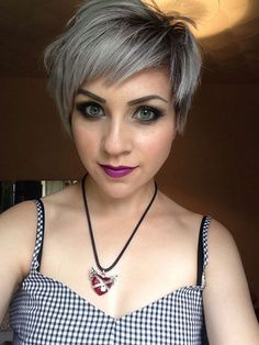 Best Straight Hairstyles for Short Grey Hair