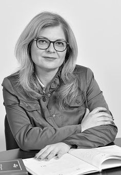 Carmen Szabo - Romanian Lawyer #lawyers