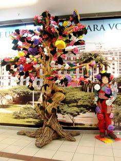 """A partir da parceria com a ONG Flor Gentil, o Shopping Light recebe, de 6 a 30 de setembro, a """"Exposição Primavera"""" e, nos dias 14, 15, 28 e 29, oficinas culturais."""