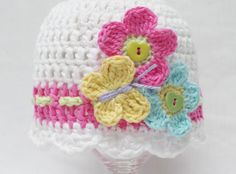 Summer baby crochet hat pattern by KerryJayneDesigns