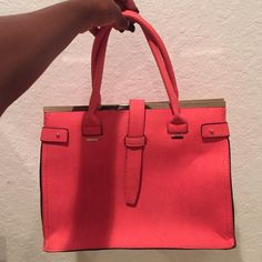 Medium Size Handbag Peachy/Salmon Color; Sturdy - Stands on its own; Roomy; Two Zipper Compartments, Pockets; Zipper + Strap Closure; Detachable shoulder strap; Gold Hardware; Lightly Used FAST NEXT DAY SHIPPING Bags Shoulder Bags