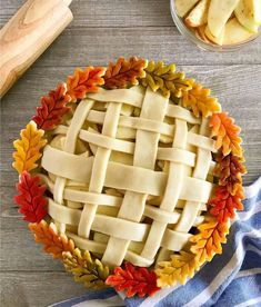 William Sonoma decorative pie crust with colored embellishments