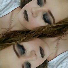 #blacksmokyeye #blacklipstick #fallmakeup #autumnmakeup #catyeliner #makeupartist #makeupartistworldwide