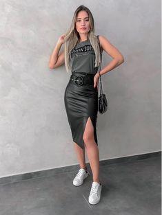 Womens fashion for summer outfits black shorts 35 Ideas for 2019 Curvy Fashion, Look Fashion, Trendy Fashion, Girl Fashion, Womens Fashion, Trendy Style, Winter Fashion Outfits, Boho Outfits, Summer Outfits