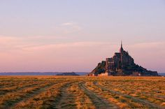 Baie du Mont-Saint-Michel, France / photo by Laurent Philippe