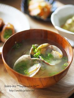 Miso Soup with Short-necked Clams アサリの味噌汁