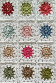 HOME & GARDEN: DIY – How to make a crochet plaid? Easy tutorial in 3 steps Informations About DIY – Comment faire un plaid au. Plaid Au Crochet, Cardigan Au Crochet, Crochet Beanie, Crochet Granny, Crochet Stitches, Crochet Hooks, Crochet Blankets, Potholder Patterns, Afghan Patterns
