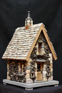 miniature dollhouse Miniature stone cottage made with natural stone and mortar cement Stone Cottages, Stone Houses, Miniature Crafts, Miniature Houses, Miniature Gardens, Miniature Dollhouse, Birdhouse Designs, English Country Decor, Fairy Garden Houses