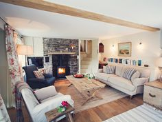 Book your holiday at Croft Y Cwm - Quality self-catering accommodation in Mid Wales Cottage Living Rooms, Cottage Interiors, Home Living Room, Living Room Decor, Living Spaces, Living Area, Cosy Interior, Interior Design Living Room, Style At Home