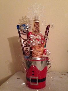 Christmas Gifts practical ideas – Gift Ideas Anywhere Office Christmas Gifts, Diy Christmas Gifts For Boyfriend, Christmas Gift Exchange, Cute Christmas Gifts, Christmas Gift Baskets, Cute Gifts, Holiday Fun, Holiday Gifts, Holiday Ideas