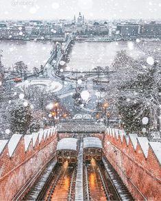 19.2 тис. вподобань, 305 коментарів – Budapest (@budapest_hungary) в Instagram: «Who else love walk in the snow? ❄️ #snowybudapest #budapest #budapesthungary #budapesthungaryblog…»